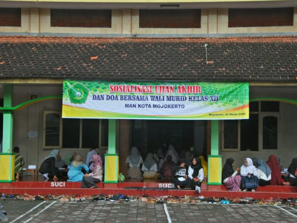 Doa Bersama Wali Siswa, Siswa MAN Kota Mojokerto Siap  Hadapi Ujian